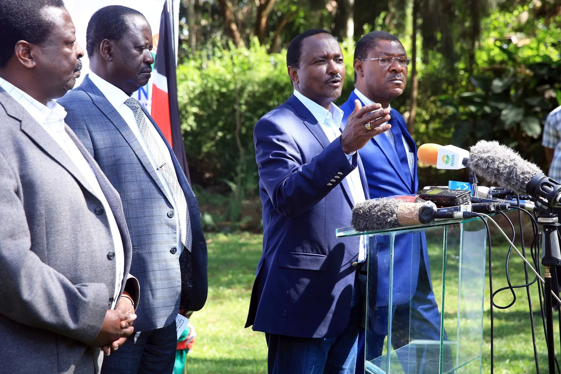 Govt withdraws Kalonzo's and Mudavadi's gun licenses