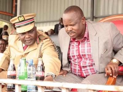 Kamishna wa Bomet akiona cha mtema kuni kwa kuzozana na gavana Ruto, pata yaliyojiri