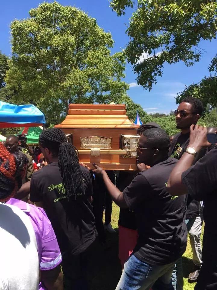 Aiyeya burial