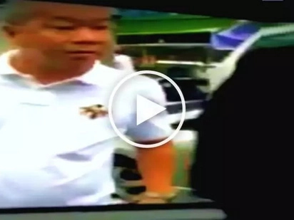 Road rage cop! Hostile Pinoy policeman bullies and picks fight with tough car driver