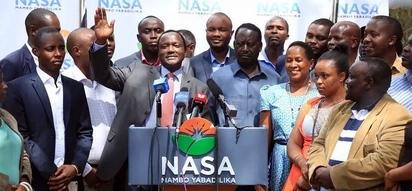 Wazee wa jamii ya Wakamba wamsuta Raila vikali, wampa Kalonzo ushauri huu