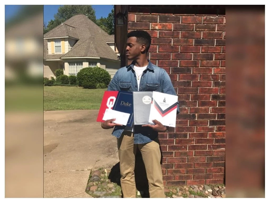 Teen leaves cousin in tears after he receives scholarships from 5 universities