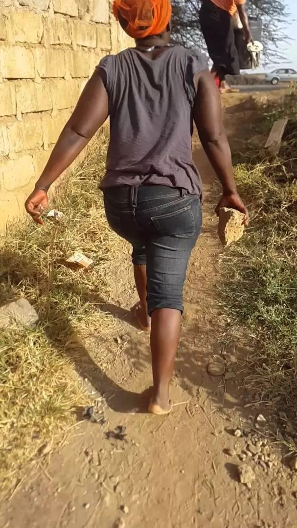 Wanawake wawili wapigania 'care-taker'