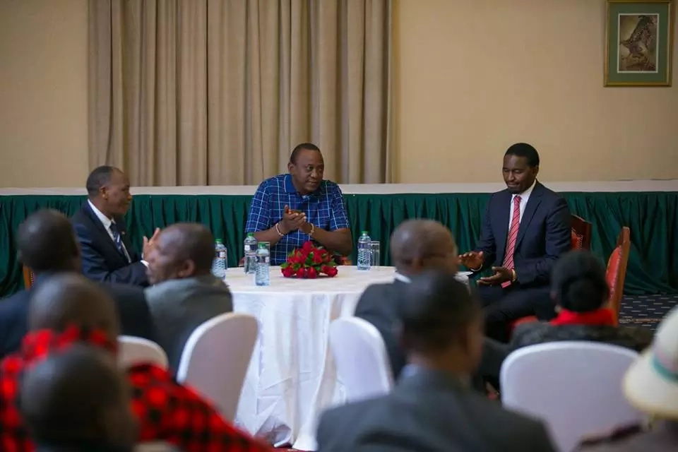 The meeting Uhuru was having instead if facing Raila Odinga at the presidential debate (photos)
