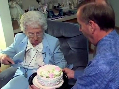 Grandma turns 109 years, reveals her SECRET to long life (photos, video)