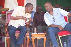 Uhuru's 'silences' Joho in one statement as he receives his deputy into Jubilee party