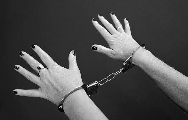 ISIS usa whatsapp para vender a esclavas sexuales