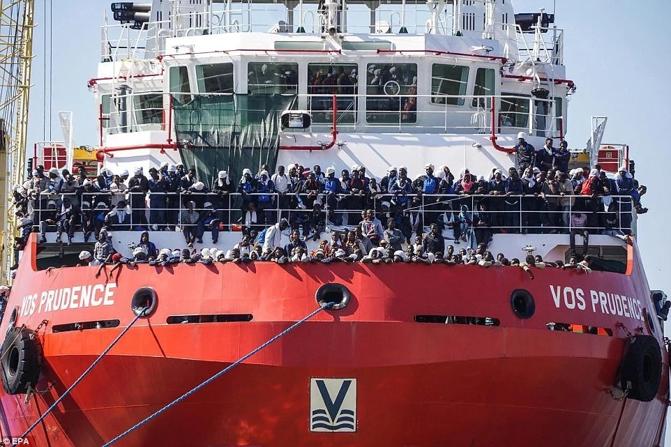 The ship carried 1,500 African migrants, well beyond its capacity of 600