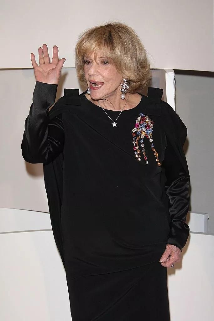 Le secret derrière la voix mythique de Jeanne Moreau était une maladie