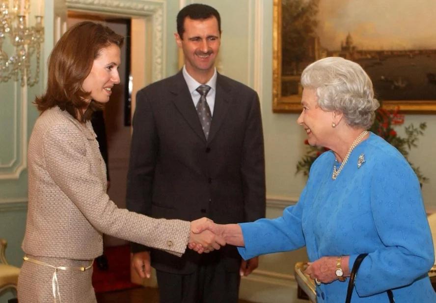Queen Elizabeth reaches 90; remains loved