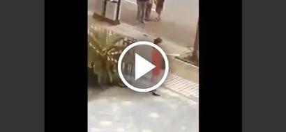 Mujer es atrapada por la espalda cuando intentaba suicidarse con un cuchillo