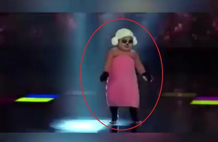 Young girl's hilarious performance breaks social media