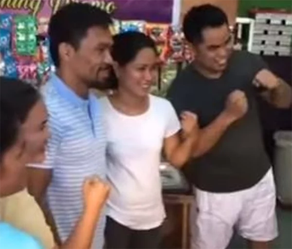 Manny Pacquiao Shows He's a Down-To-Earth And Simple Kind of Guy When He Visits a Local Bakery!