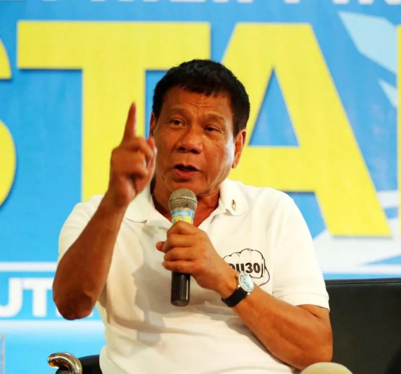 No favors for relatives, friends - Duterte