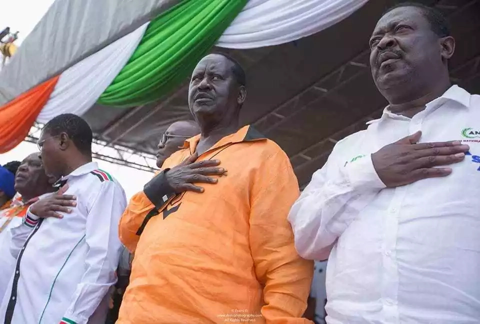 Police disrupt Raila roadside rally with teargas in Eastlands,Nairobi