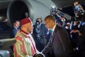 Rais Paul Kagame ageuka na kuwa 'dereva wa mfalme' (picha)