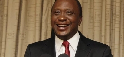 Everyone is wondering what Uhuru was carrying in his coat (PHOTO)