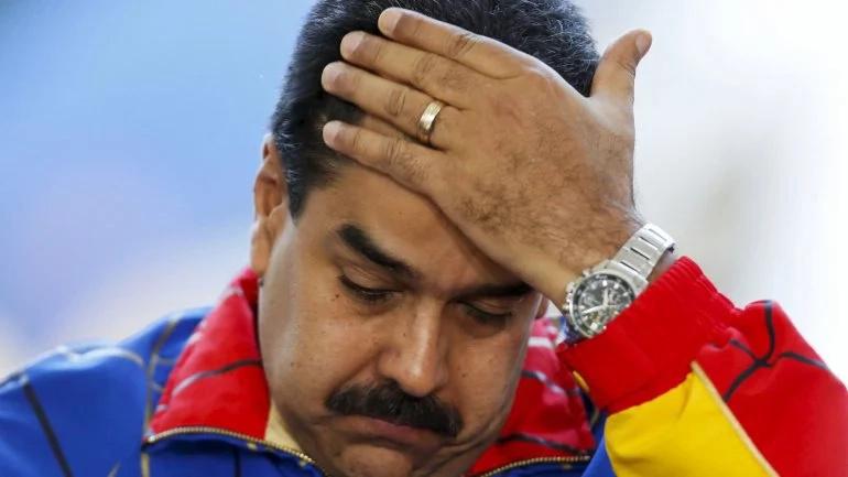 Exministros se suman a carta revocatoria contra Maduro