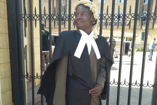 Former chokoraa gets admitted to the bar