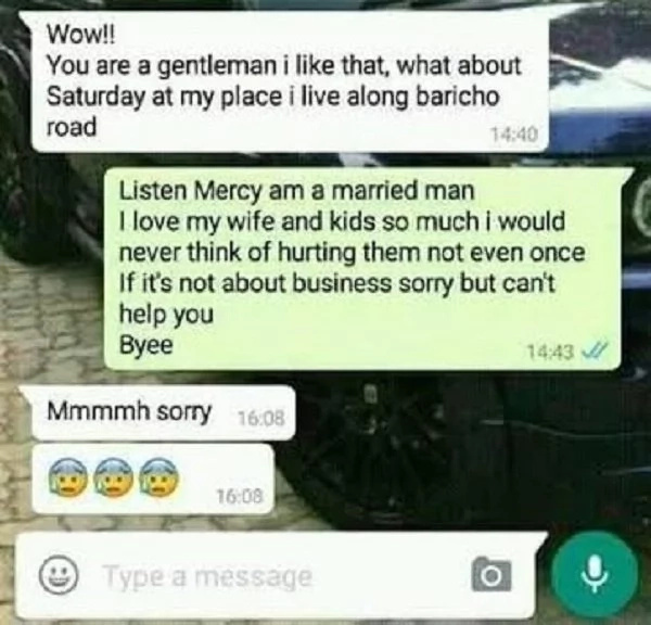 Not all men cheat! Married man says 'NO' to lady pushing him to come to her bed(photos)