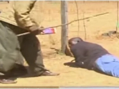 KISANGA; mwalimu mkuu anyoroshwa VILIVYO kwa kuwanajisi wanafunzi wake (video)