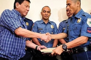 Will Duterte fulfill his AFP, PNP pay raise promise? Find out here