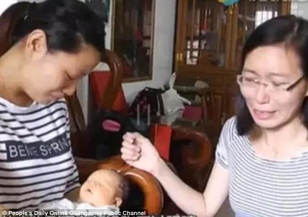 Madre quedó devastada luego de que su hijo naciera sin ojos