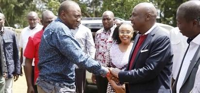 Seneta Moi amlilia Rais Uhuru kwa msaada