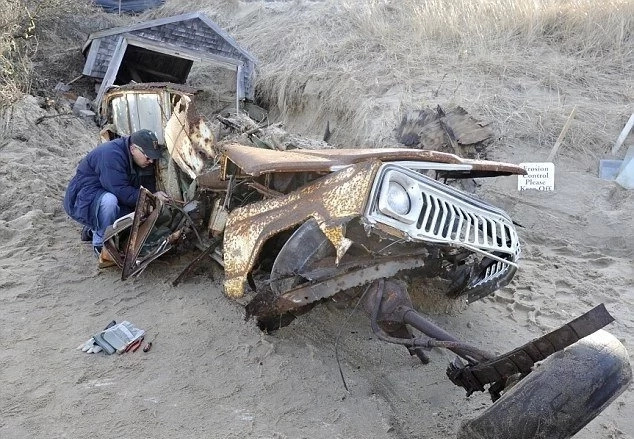 Time capsule jeep discovered after 40 years
