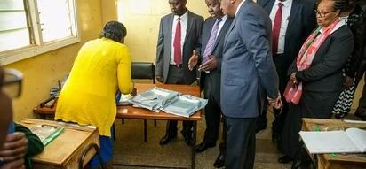 Uhuru visits schools to inspect KCPE exams progress (photos)