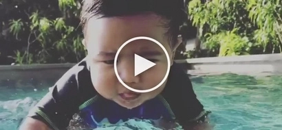 Baby Seve having fun in the water is the most adorable thing you'll see today