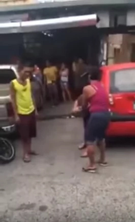 Wife beats cheating husband and his mistress on the streets