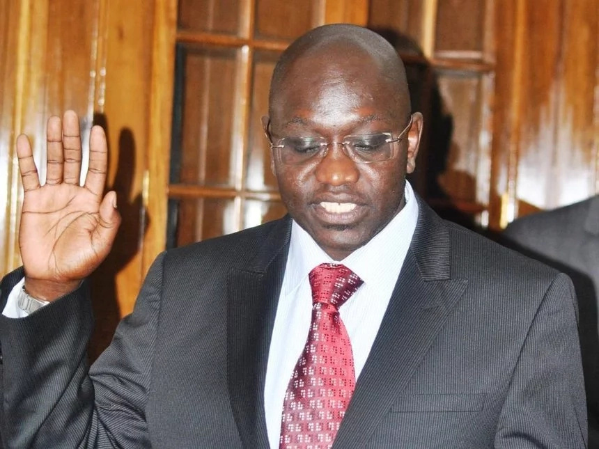 Independent Presidential candidate goes HAM on Uhuru and his deputy, asks IEBC to LOCK them out