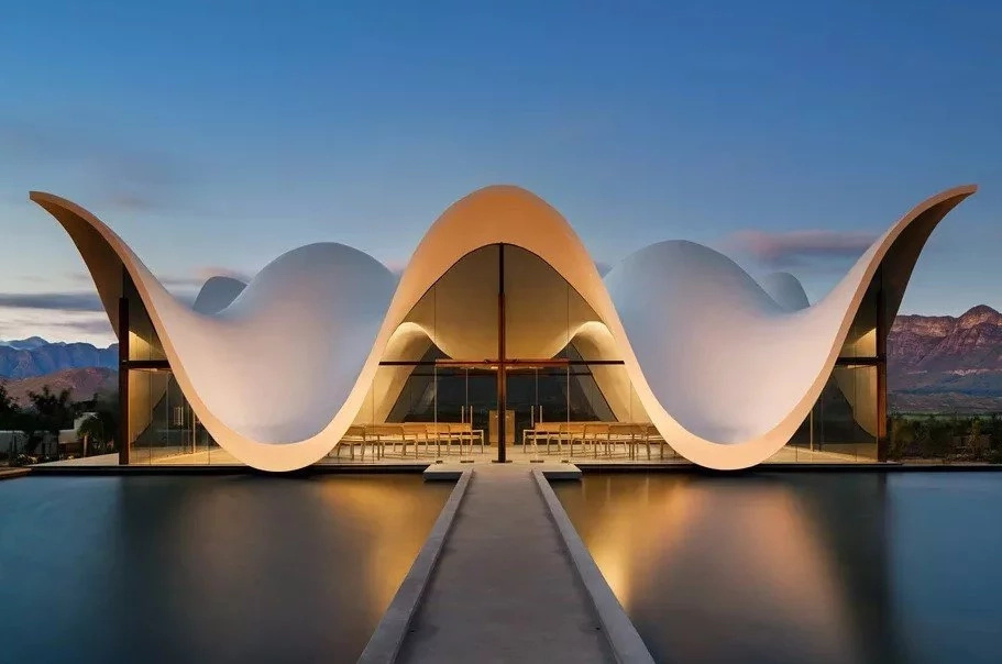 Angelic! Chapel with WINGS and references to Bible events completed in South Africa (photos)