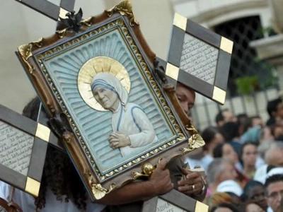 Netizens express clashing opinions on Mother Teresa's canonization