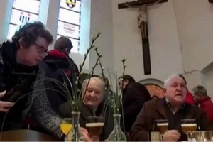 How to bring more people closer to God? This Christian church turns into BEER BAR after every Sunday mass (photos)