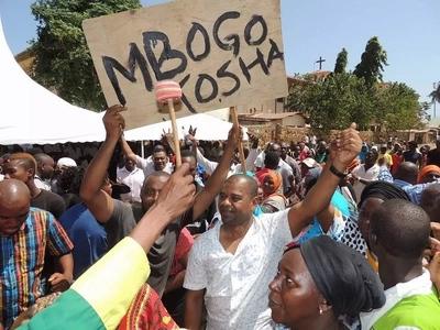 Mgombeaji maarufu atunga wimbo MKALI wa kumng'atua mwandani wa Gavana Joho