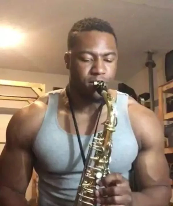 This saxophonist is winning hearts of THOUSANDS on social media with his looks and lovely renditions (photos, videos)