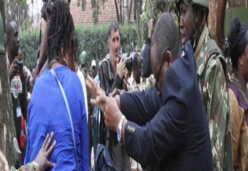 Lady attacks Nairobi police boss outside Moi girls high school