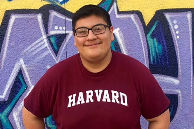 Buy, 17, whose dad lost his job and family stayed homeless for 3 months goes to Harvard University (photos)