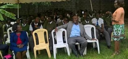 Nyakati za mwisho za Gavana Wahome Gakuru akiwa na mwanawe mtahiniwa wa KCSE (picha)