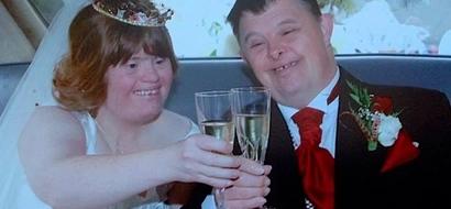 Esposa se unió a su discapacitado esposo para convertirse en la primera pareja británica csasa con síndrome de Down
