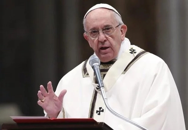 Pope Francis condemns gay club massacre
