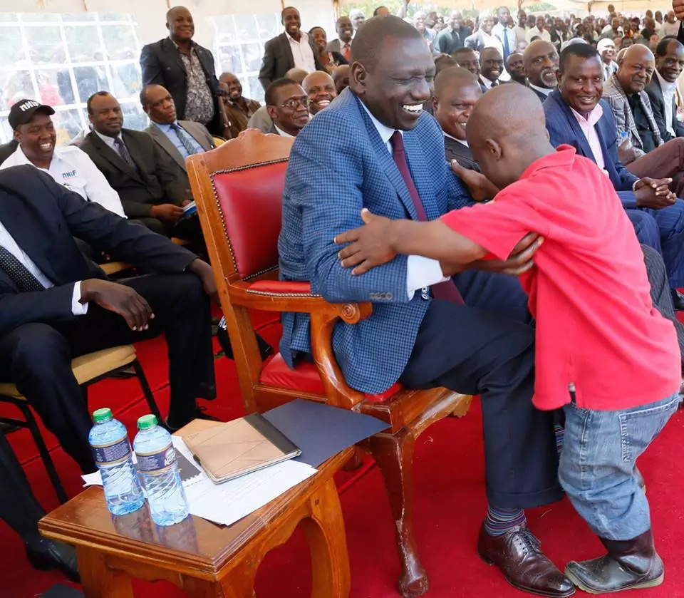 Man gets roasted for stepping on William Ruto's shoe