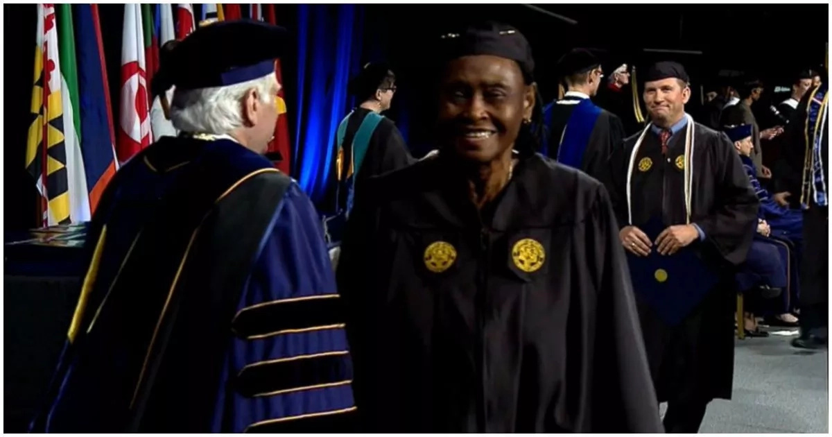 Meet 79-year-old great-granny who graduates from college (photos, video)