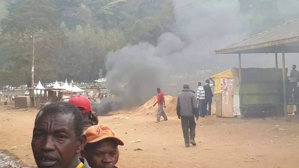 Raila's podium set on fire in Meru as Jubilee and NASA supporters clash