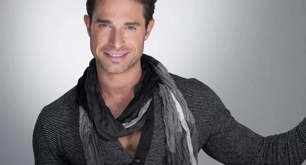 ¿Qué carajos pasa con la ropa de Sebastián Rulli?