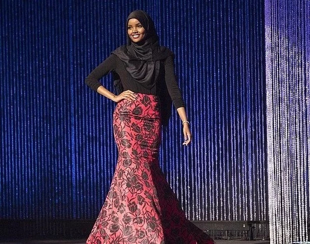 Girl from Kenyan refugee camp hits catwalk as 1st HIJAB-wearing model at Kanye West's show (photos)