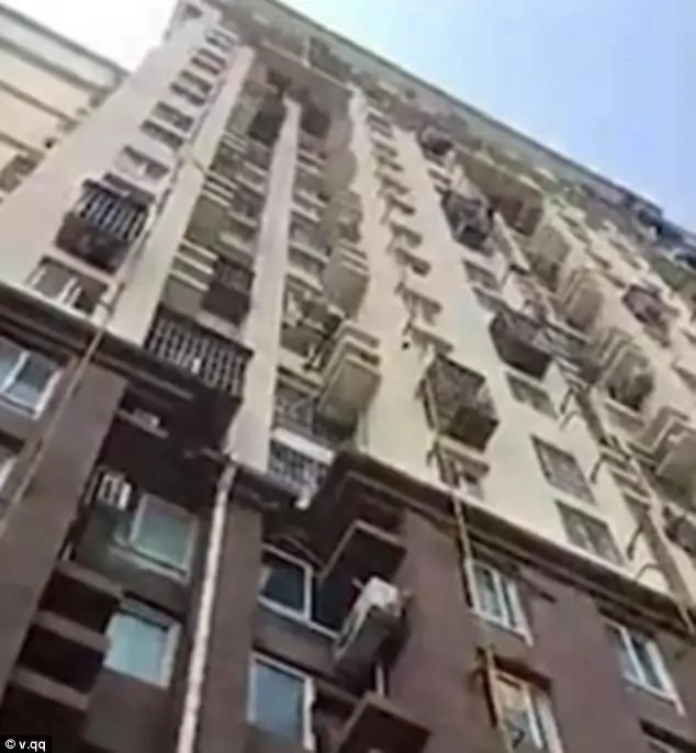 Boy, 7, injured after imitating cartoon character and jumping from 10th floor of building (photos, video)