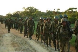 Ethiopian soldiers surround a Kenyan village, KDF reacts